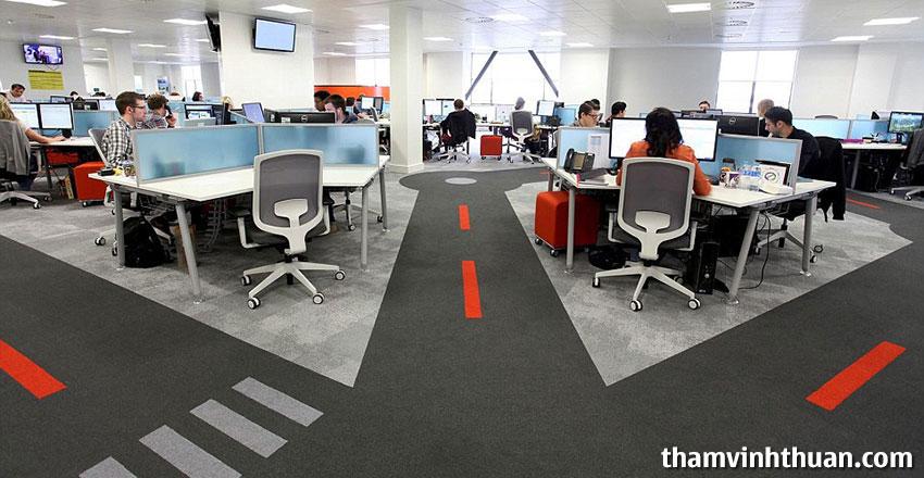 Mua thảm trải văn phòng bạn cần quan tâm đến mật độ đi lại trong văn phòng